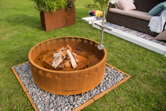 GrillSymbol Sampo Outdoor Wood Burning Fire Pit