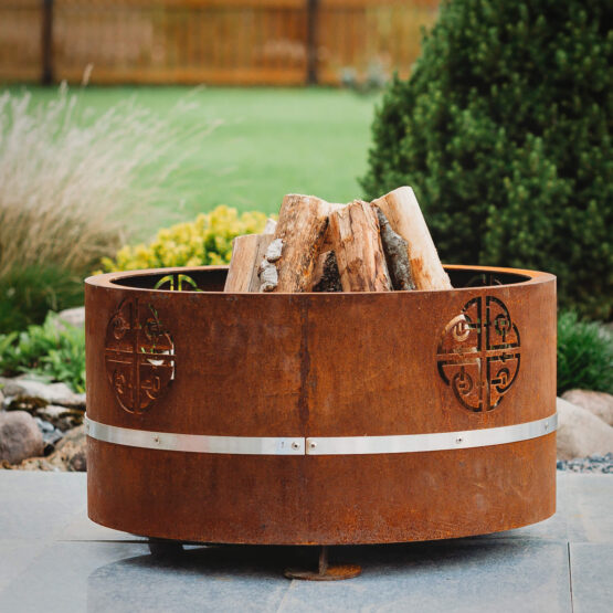GrillSymbol Lucas Mini Outdoor Wood burning Fire Pit